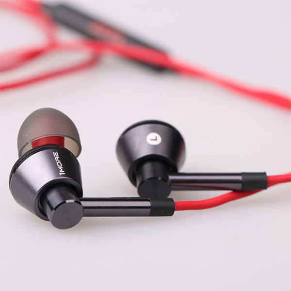۱more-single-driver-in-ear-headphones3