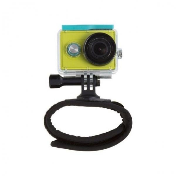 yi-action-camera-hand-mount3