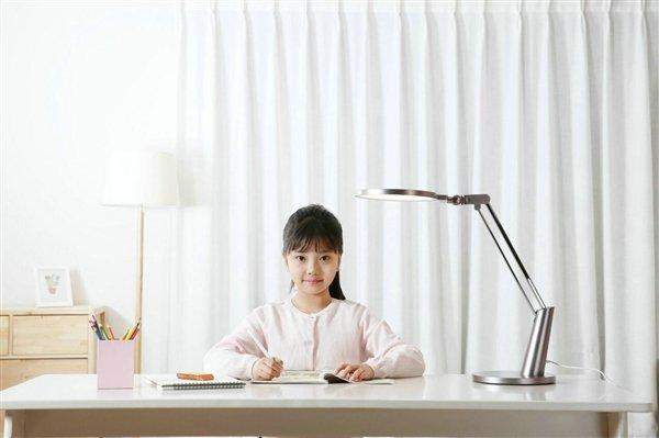لامپ رو ميزي هوشمند جديد Yeelight | شیائومی کالا