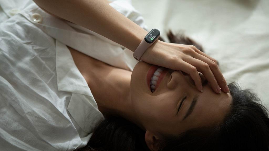 دستبند سلامتی شیائومی مدل می بند 4 گلوبال | شیائومی کالا
